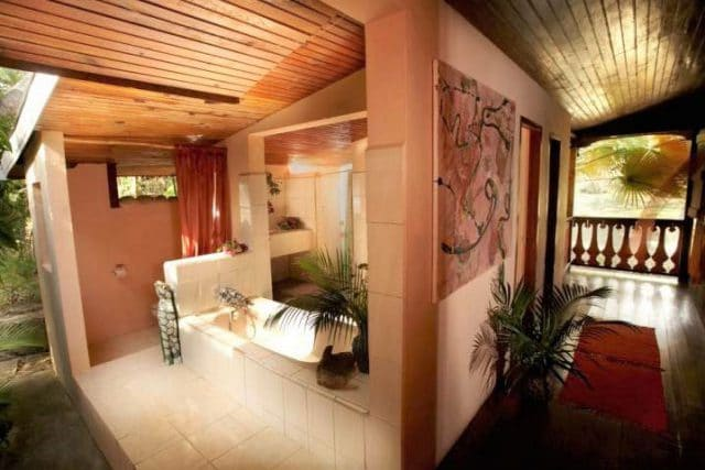 balernbouche banyan bathroom